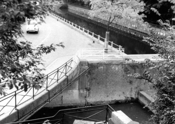 bloedbak-met-kanaal-en-jeker-2-3-okt-1962