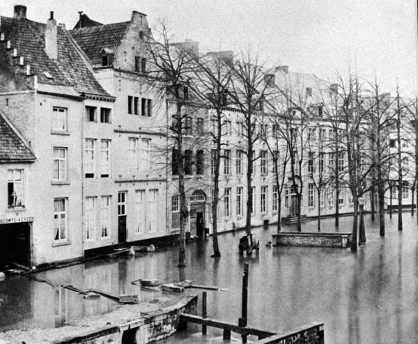 grote-looierstraat-1880-overstroming