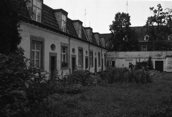 grote-looierstraat-binnenhofje-1987