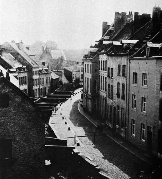 kleine-looierstrat-met-jeker-1899