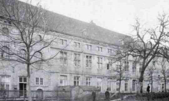 lenculenstr-tonnelacademie-als-weeshuis-1900