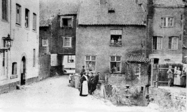 molen-van-clemens-met-doorgang-naar-pieterstr-1925